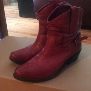 Perfect condition Franco Sarto cowgirl ankle boots